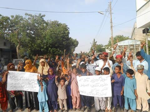 Photo of ملير : ٻن نوجوانن کي گم ڪرڻ خلاف ڳوٺاڻن جو احتجاجي مارچ ۽ ڌرڻو